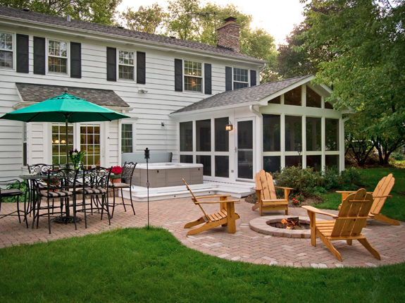 The Difference Between Open Porches, Screened Porches, and Sunrooms Thumbnail