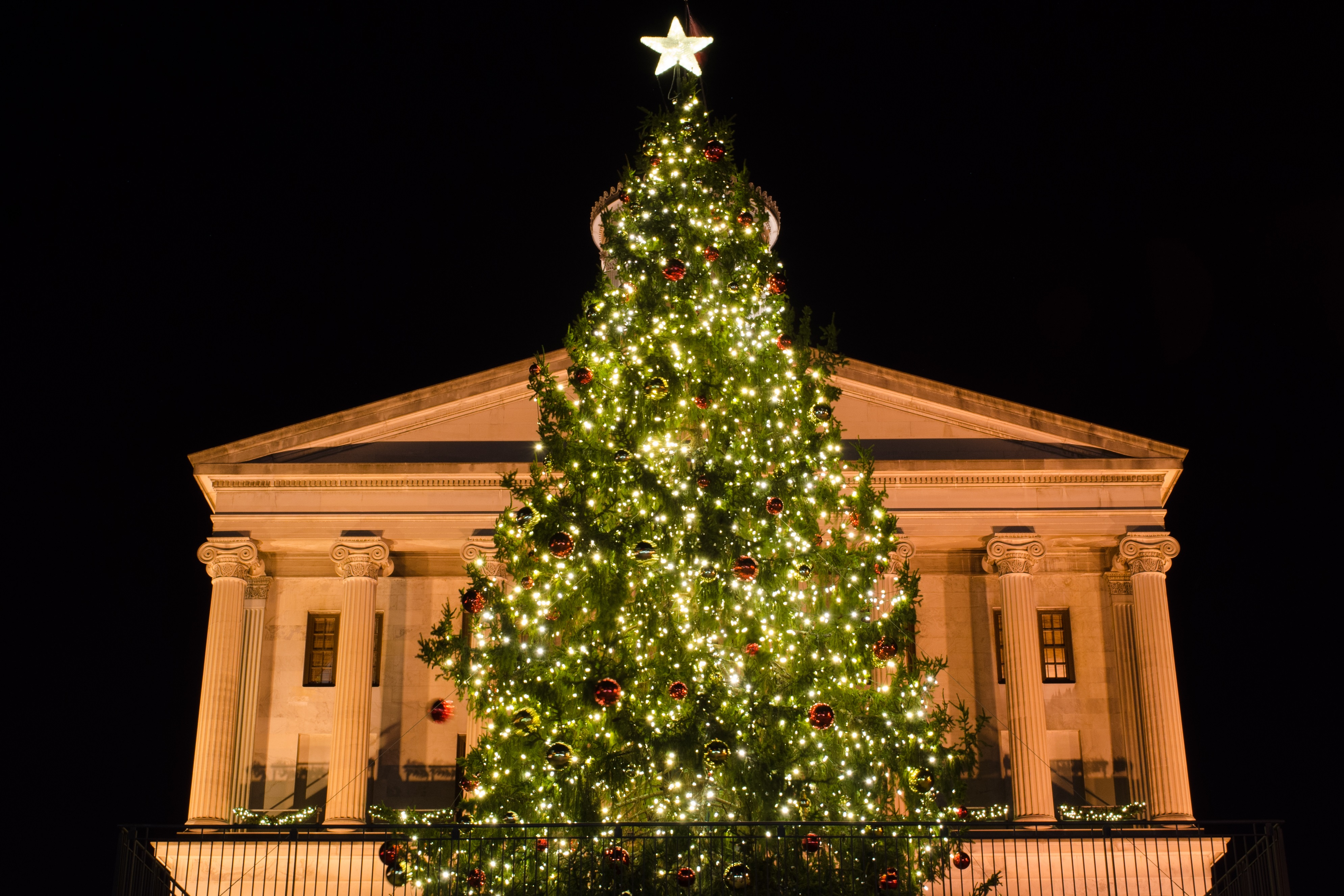 Nashville holiday outdoor lighting we are the nashville areas top outdoor lighting provider because outdoor lighting is all we do we specialize in landscape lighting architectural facade aloadofball Choice Image
