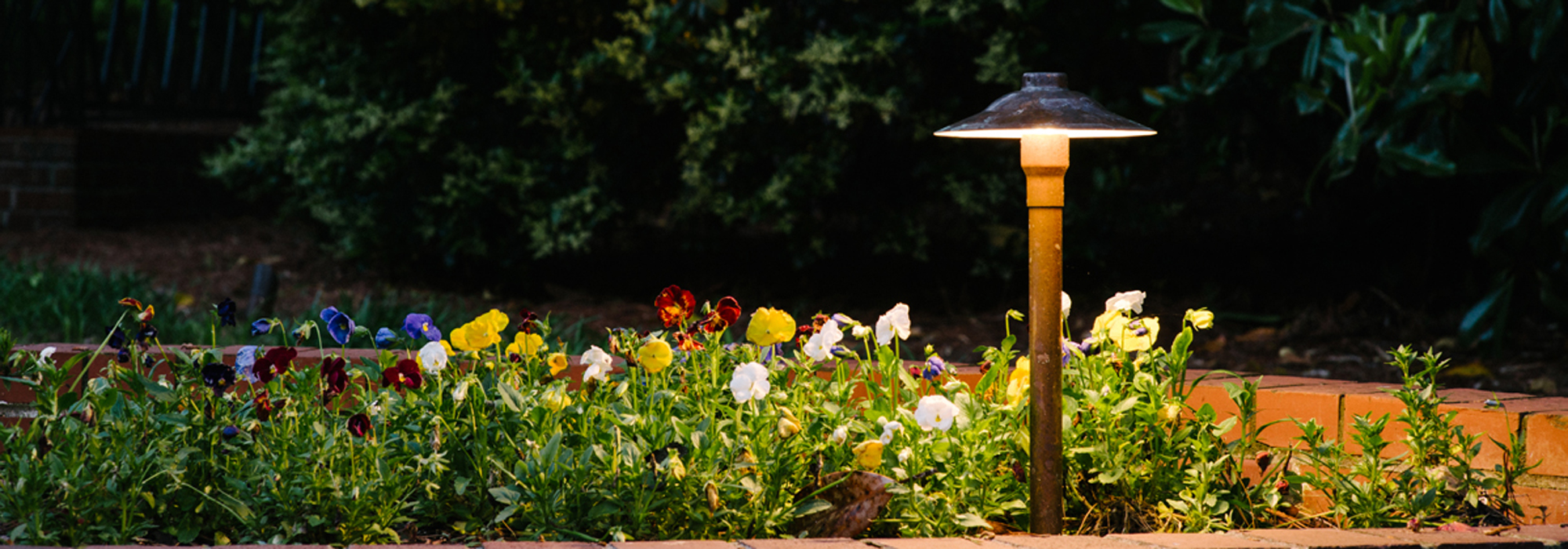 Outdoor lighting fixtures to illuminate your louisville home for Redmond or swimming pool schedule