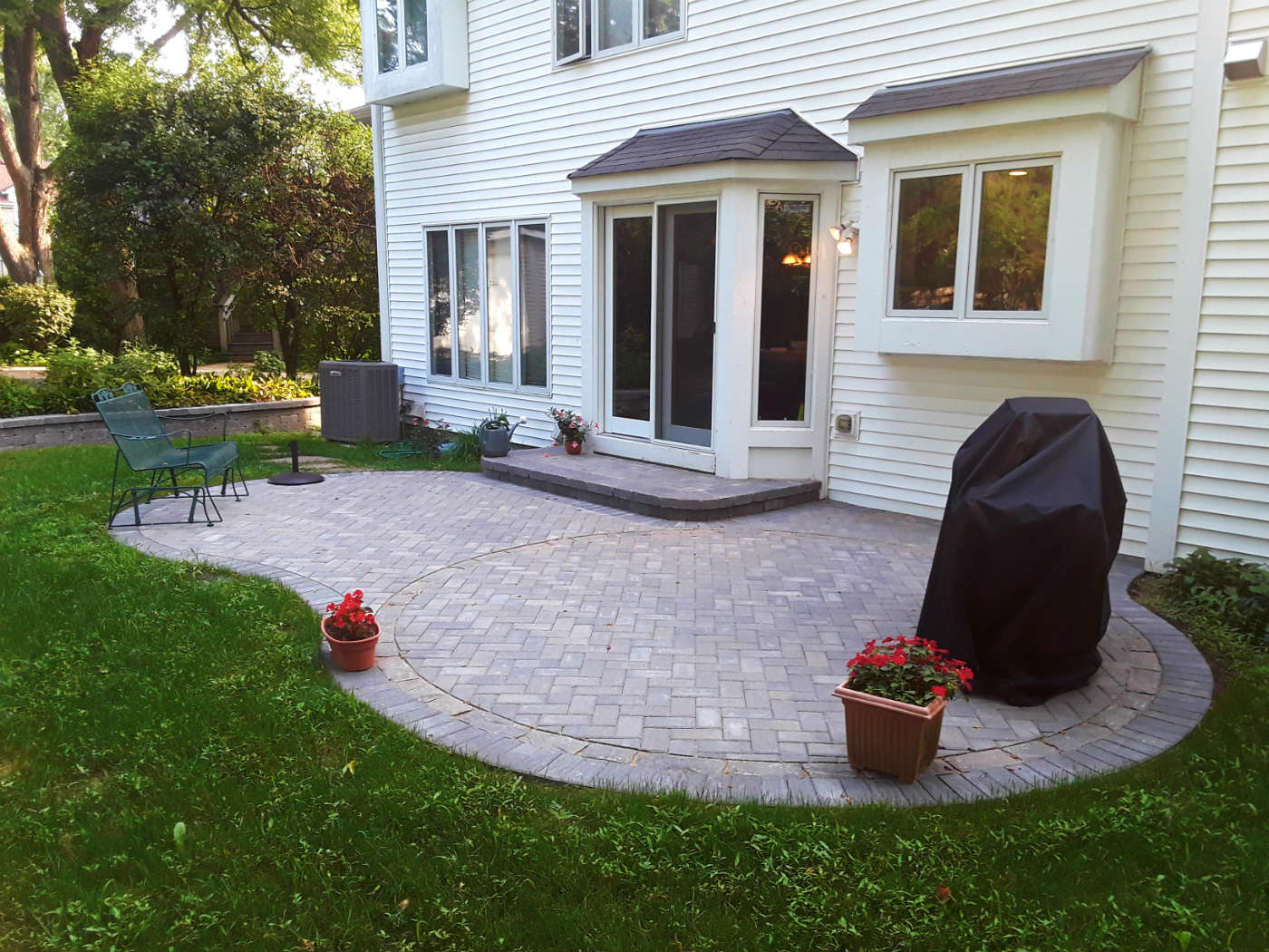 Belgard Paver Patio Design by Clarendon Hills, IL deck designer Thumbnail