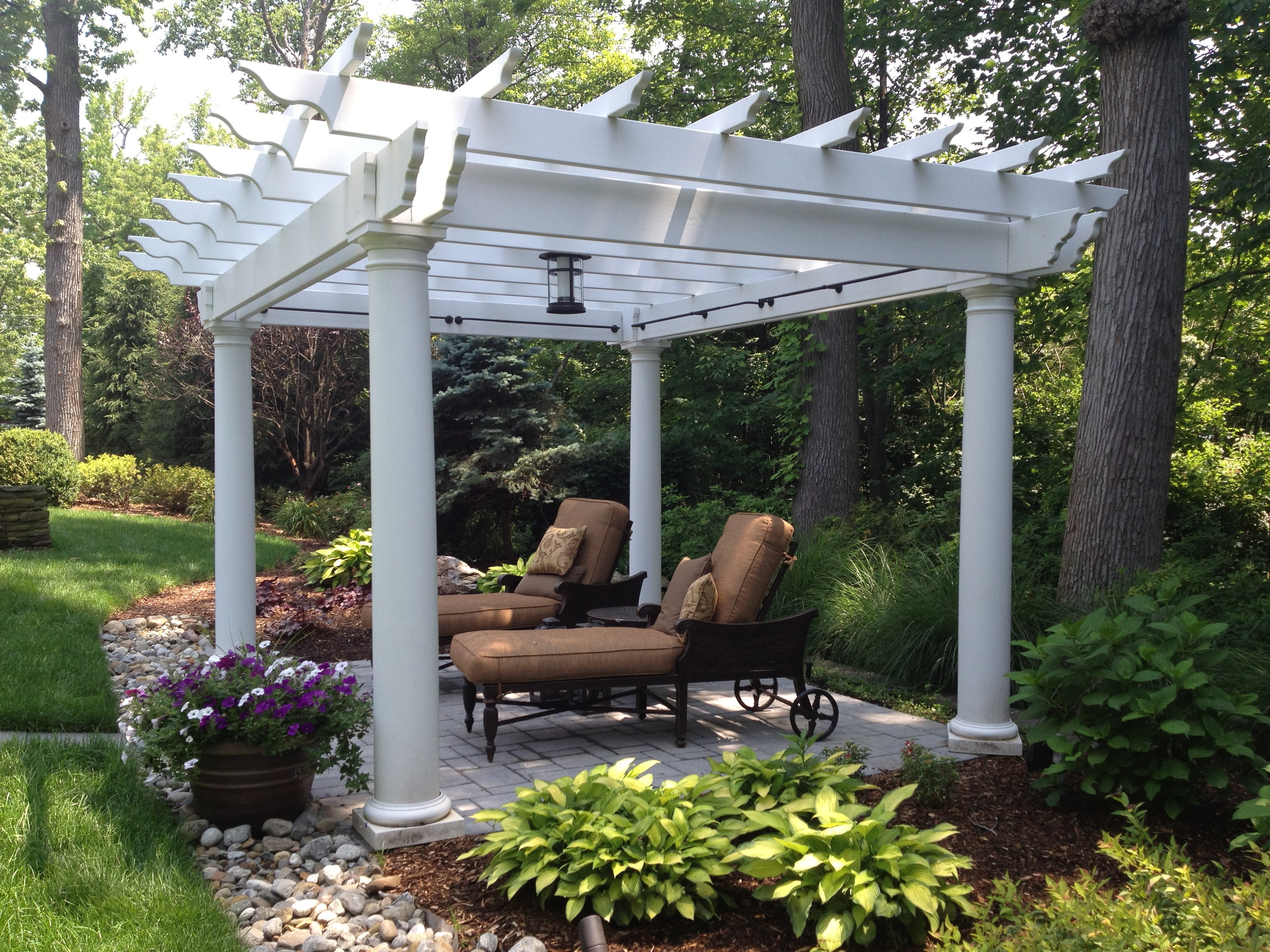 archadeck of miami explores the extended shade capabilites of the pergola