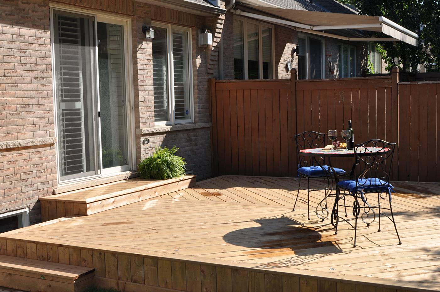 low to grade wood deck in oakville on bronte creek archadeck