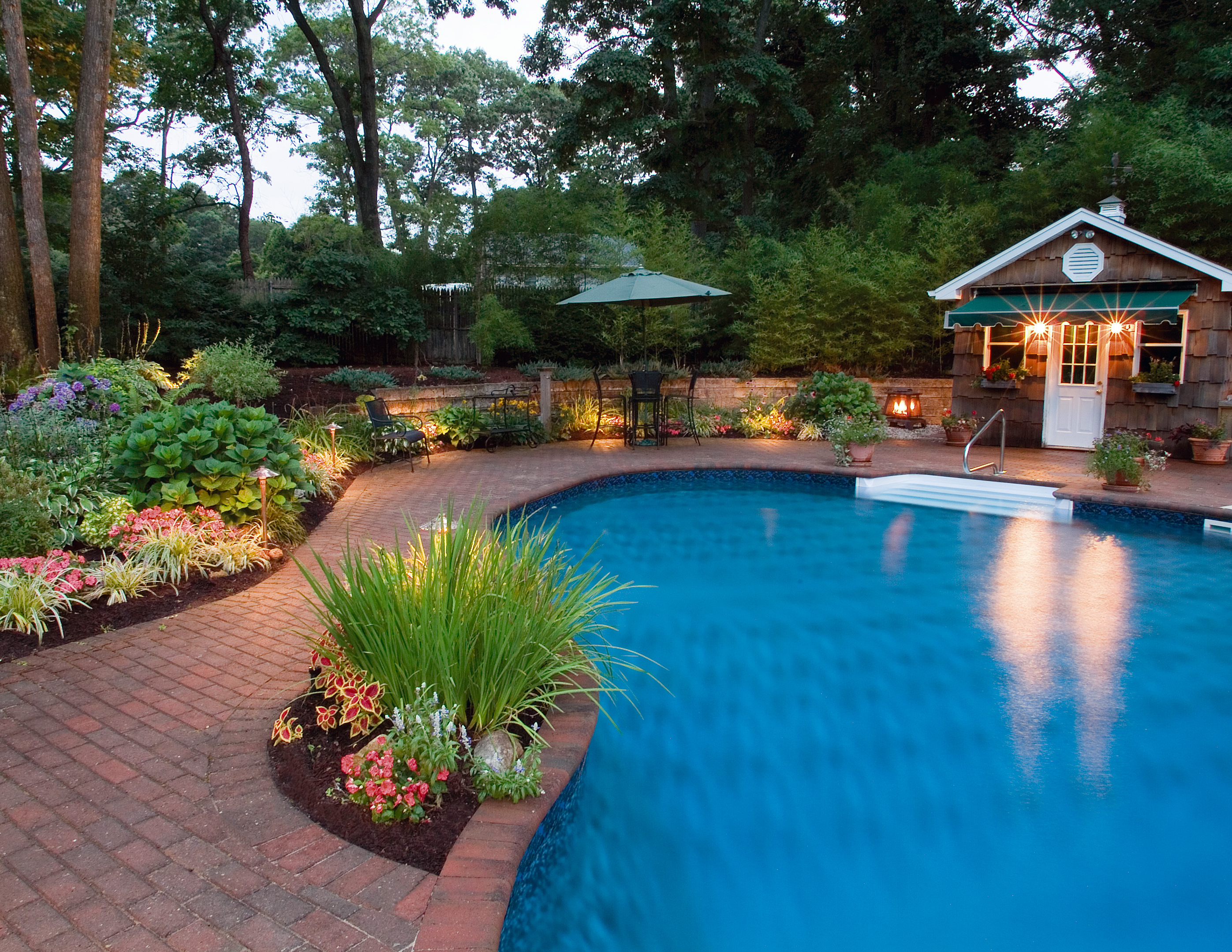 pool area lighting can make your summer evenings even more magical