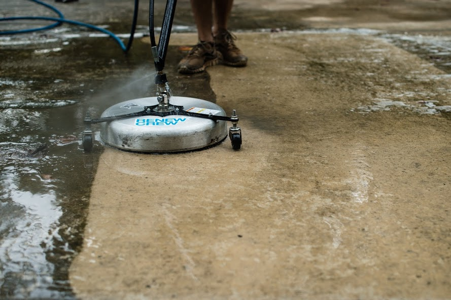 concrete cleaning in Rogers, AR by Renew Crew