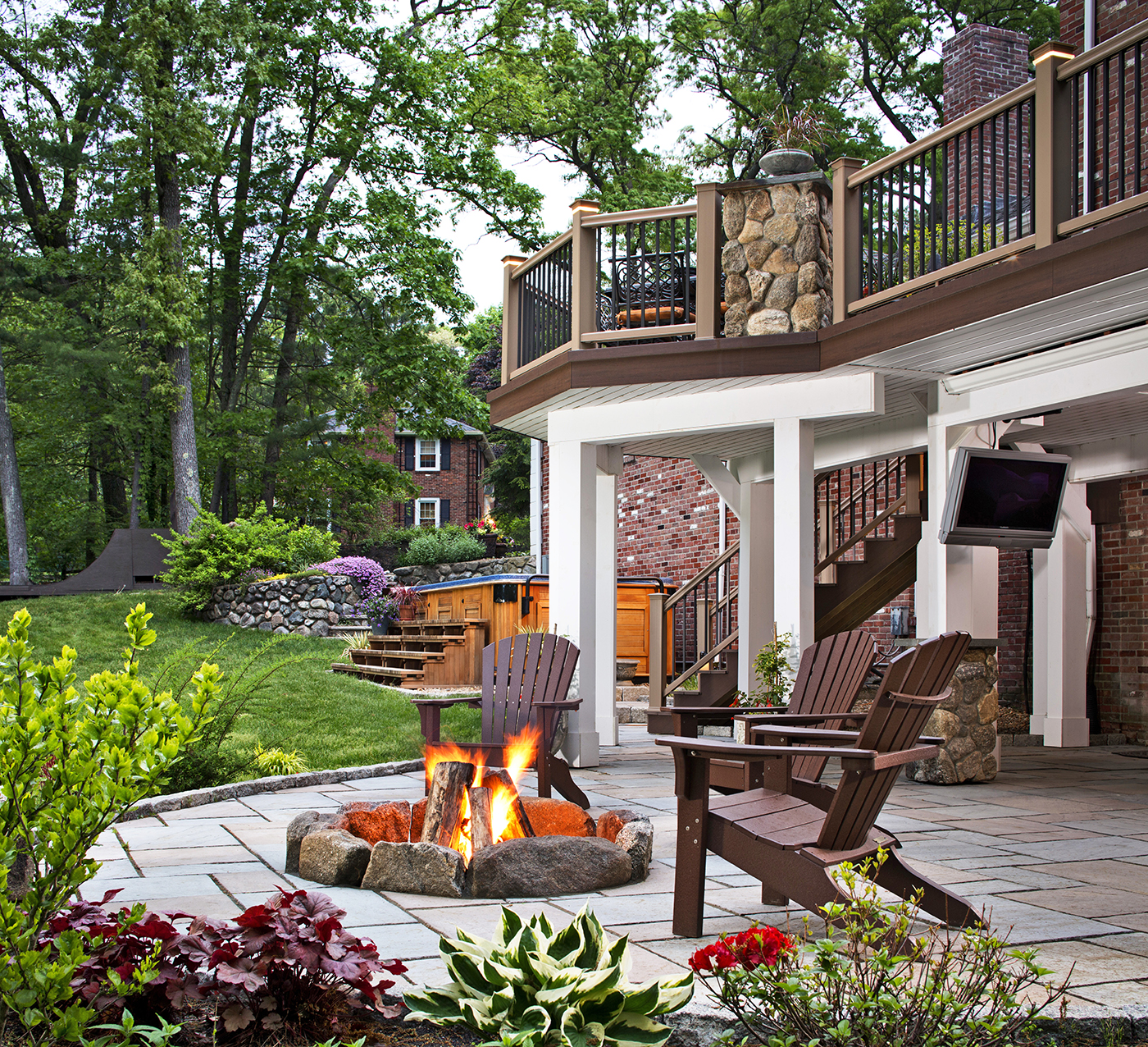 Oakville ON Deck Builder Creates Stunning Dream Backyards With Combination  Spaces