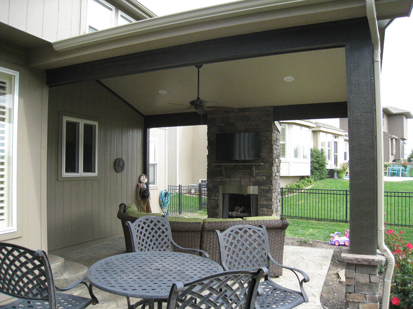 With A Roof This Olathe Patio Is Simply A Whole Different Outdoor Space Archadeck Outdoor Living