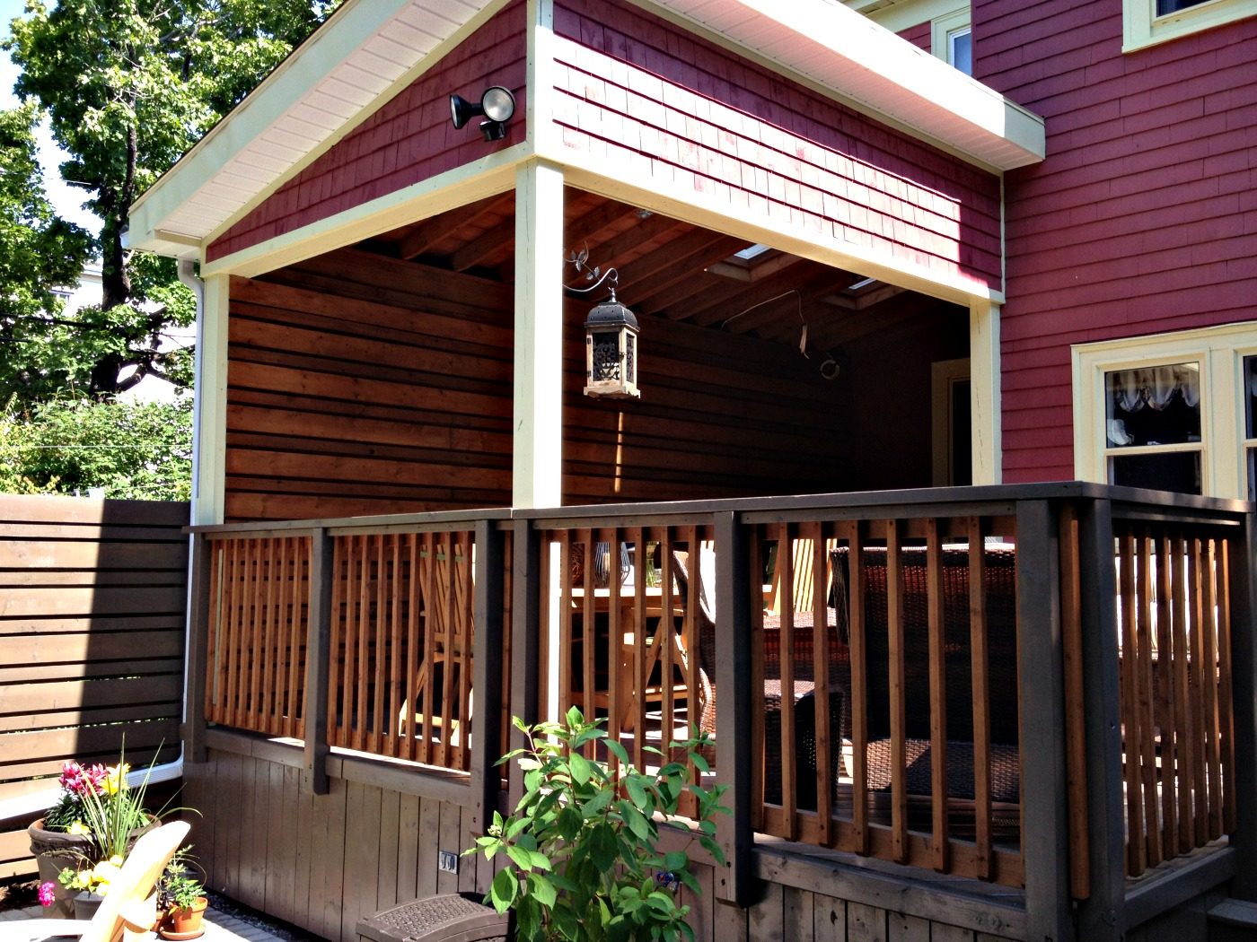 Building a front porch with novascotia halifax for Covered front porch