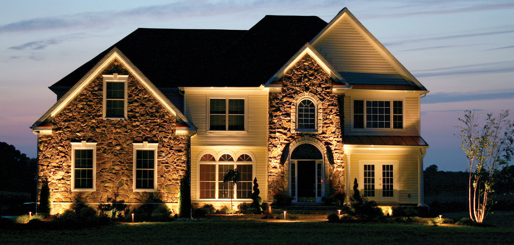 Could Landscape Lighting Attract Buyers When Youu0027re Ready To Sell Your Home?