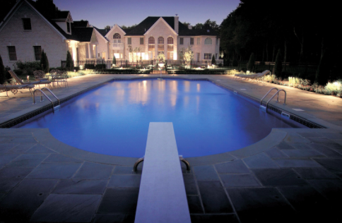 This Large Pool Is Set Back From The Home And Surrounded By A Beautiful  Flagstone Patio. Because It Is Set A Little Farther Back From The Home, ...