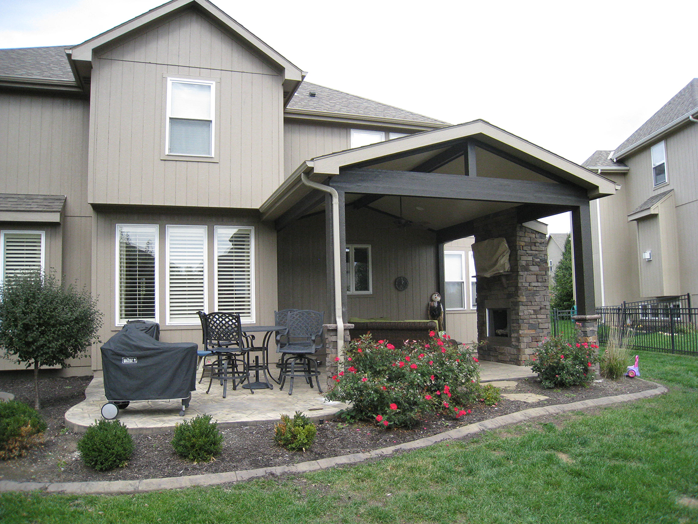Outdoor fireplaces in kansas city overland park olathe for Open porch