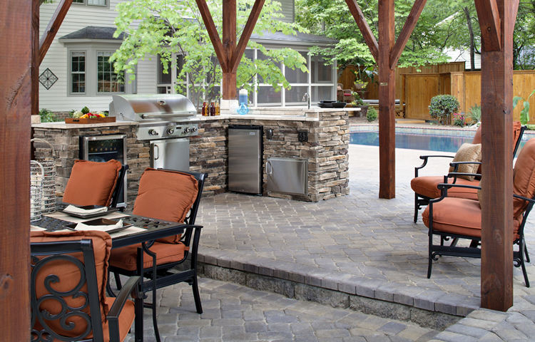 patio and outdoor kitchen builder Greensboro