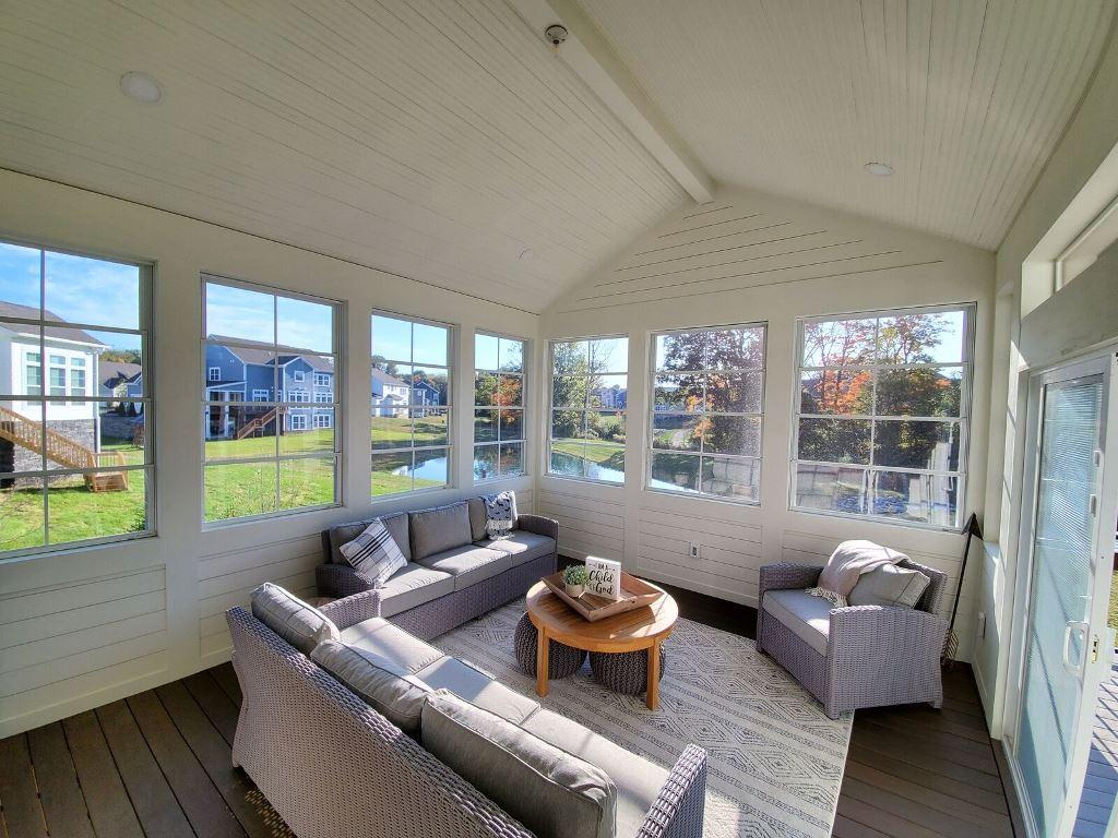 Custom-Eze-Breeze-outdoor-room-in-Westerville-OH