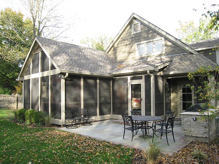 3-season room and patio