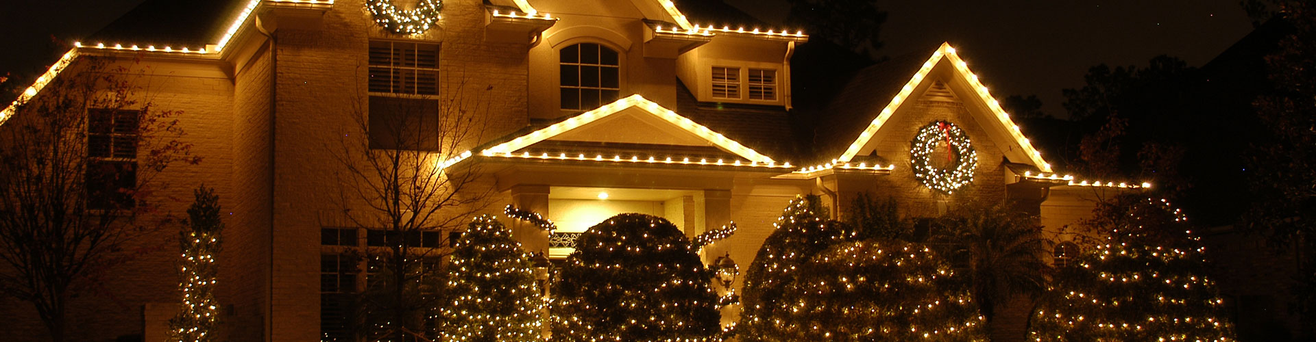 outdoor holiday lights red outdoor lighting perspectives of memphis offers the best in outdoor holiday lighting and décor our fullservice approach will get your home or business tn holiday