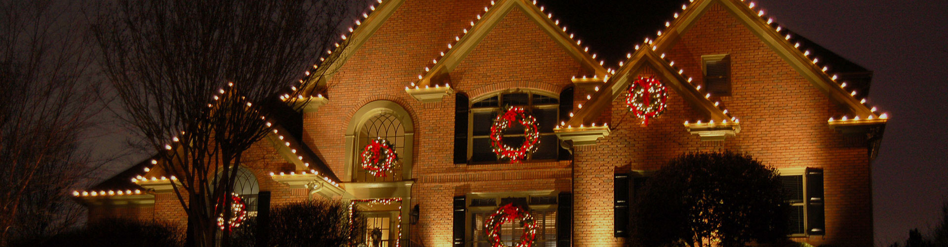 Memphis tn holiday lighting up your outdoor lighting and dcor after the first of the year we will come back to take all the decorations down and store them for you until the aloadofball