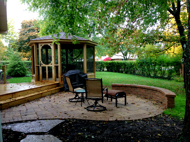 Arlington Heights screened gazebo
