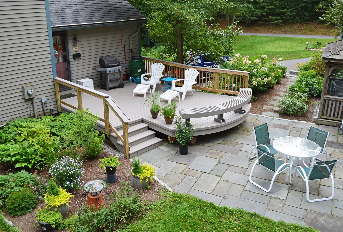 New-deck-by-Archadeck-of-Suburban-Boston