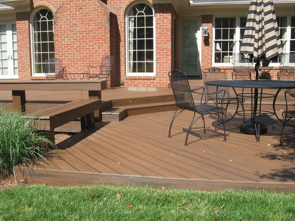 composite deck with benches