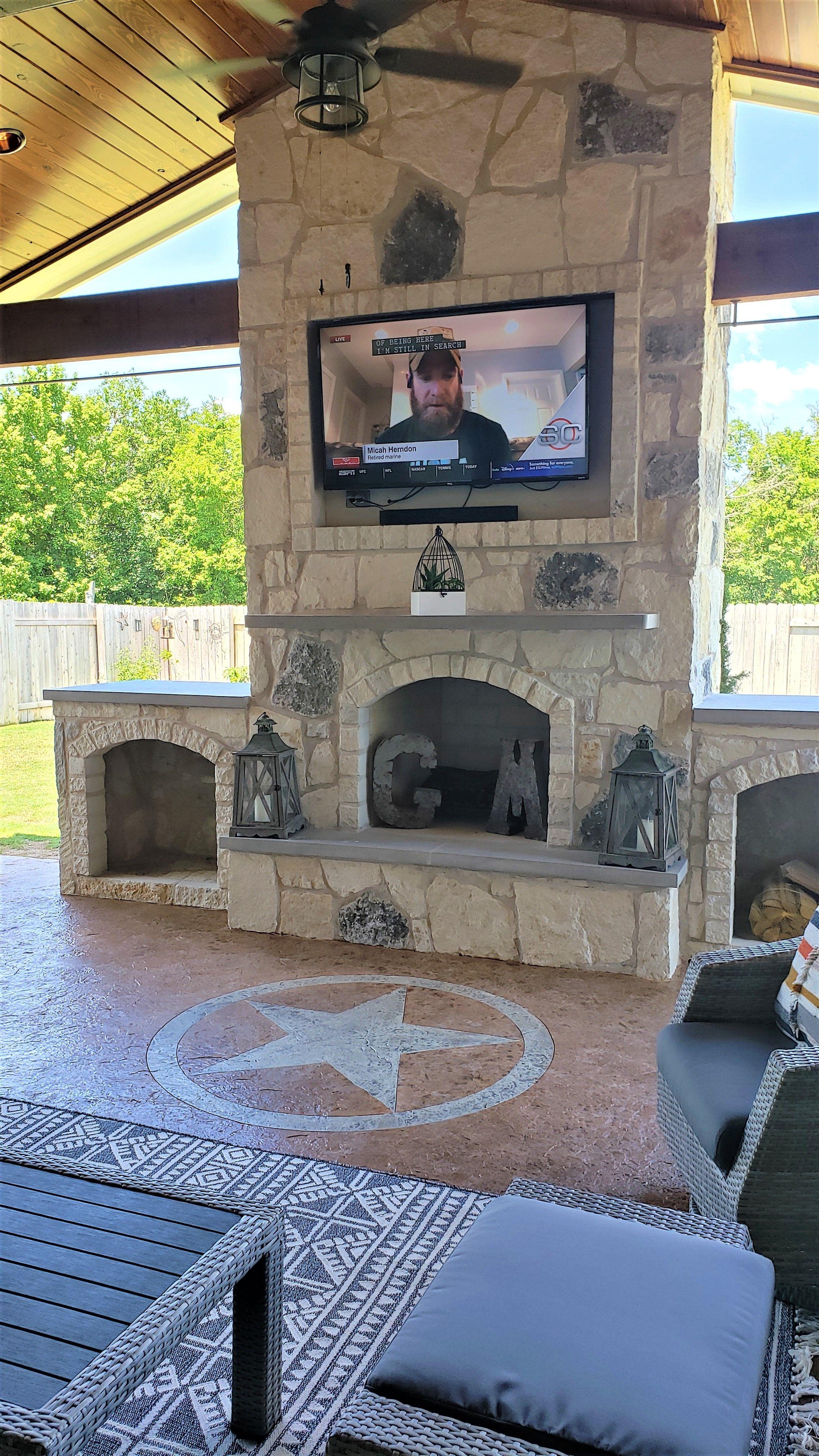 Custom-patio-overlay-with-Texas-star-custom-emblem