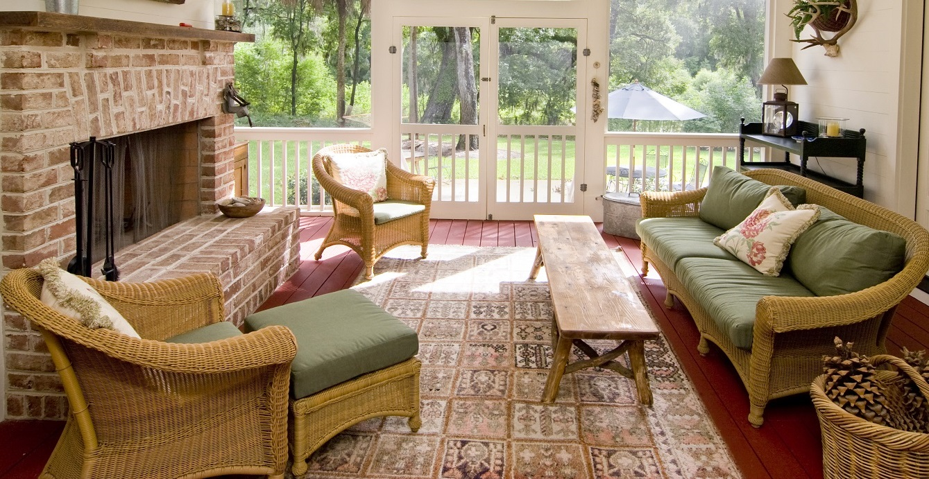 relaxing-screened-porch