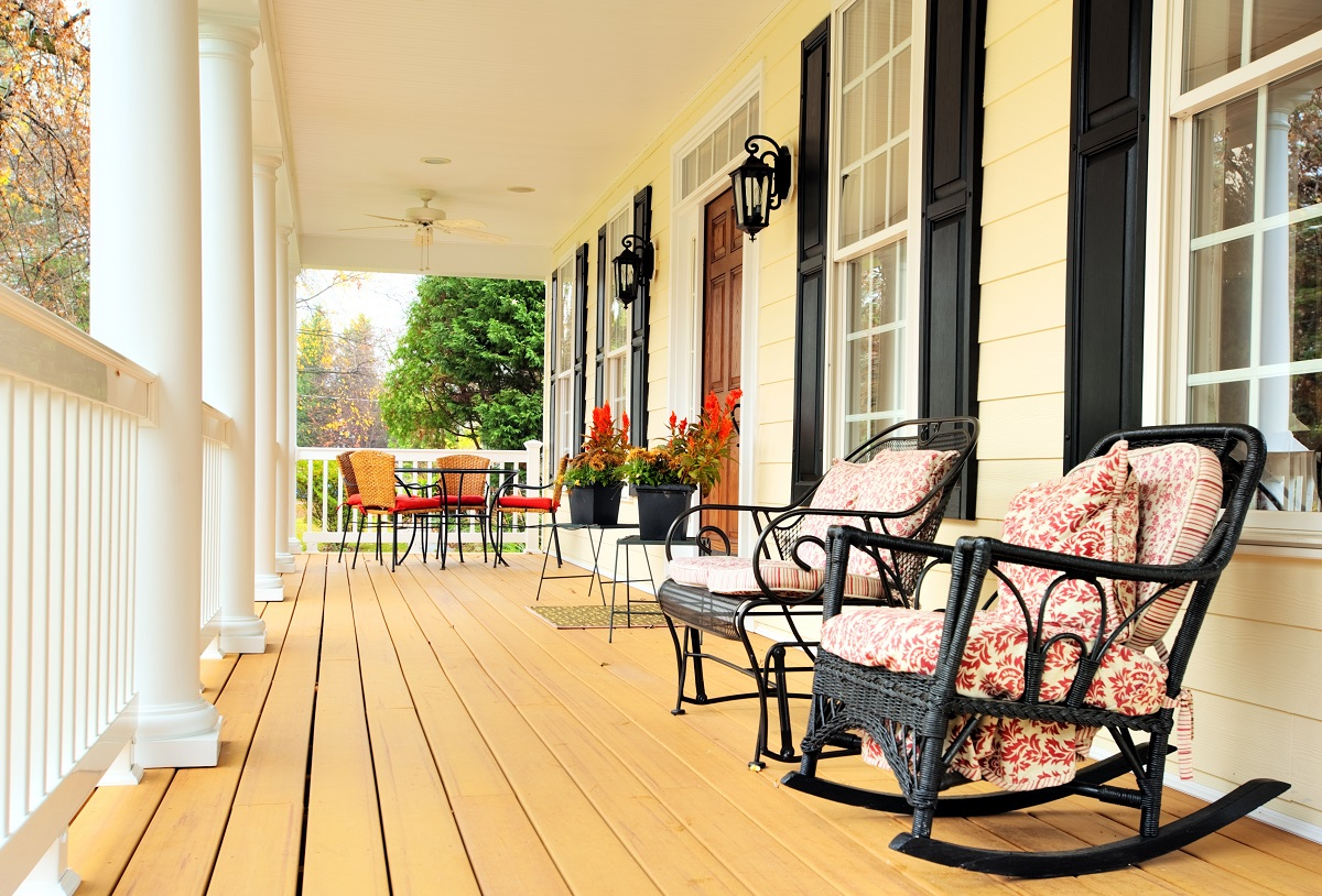 A-front-porch-sends-a-warm-and-inviting-message