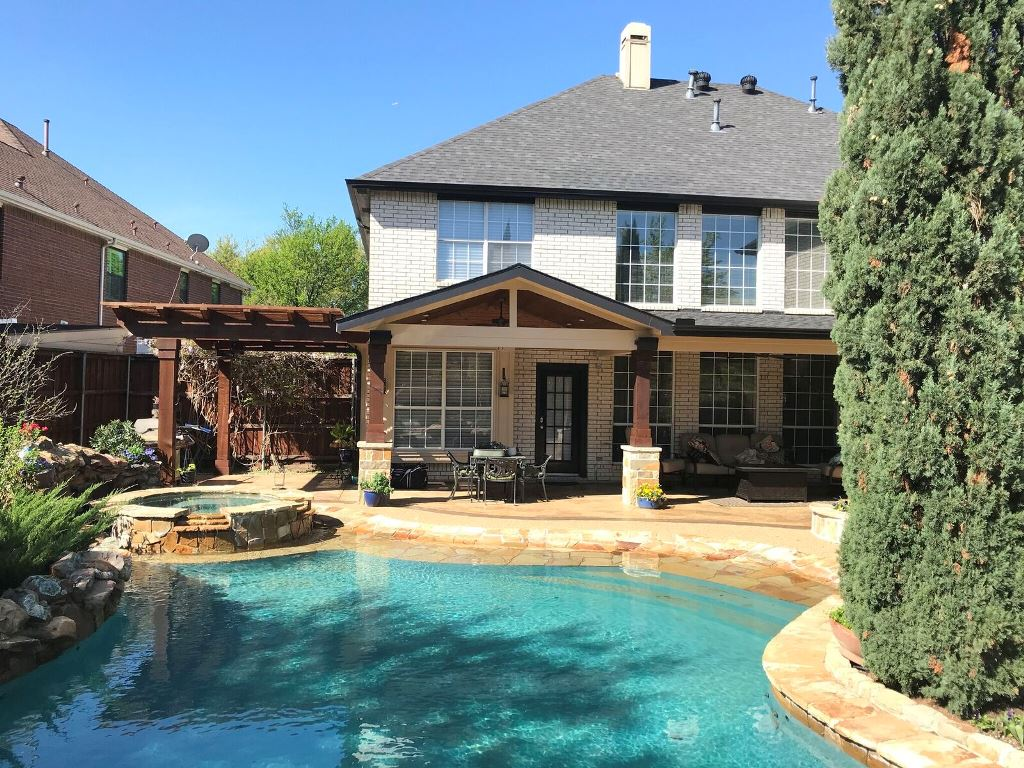 Coppell-TX-custom-poolside-outdoor-living-space