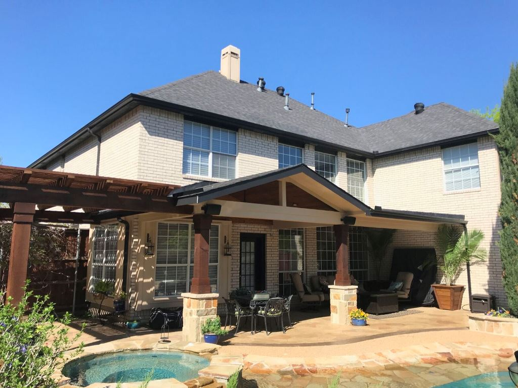 Combination-outdoor-living-space-in-Coppell-TX