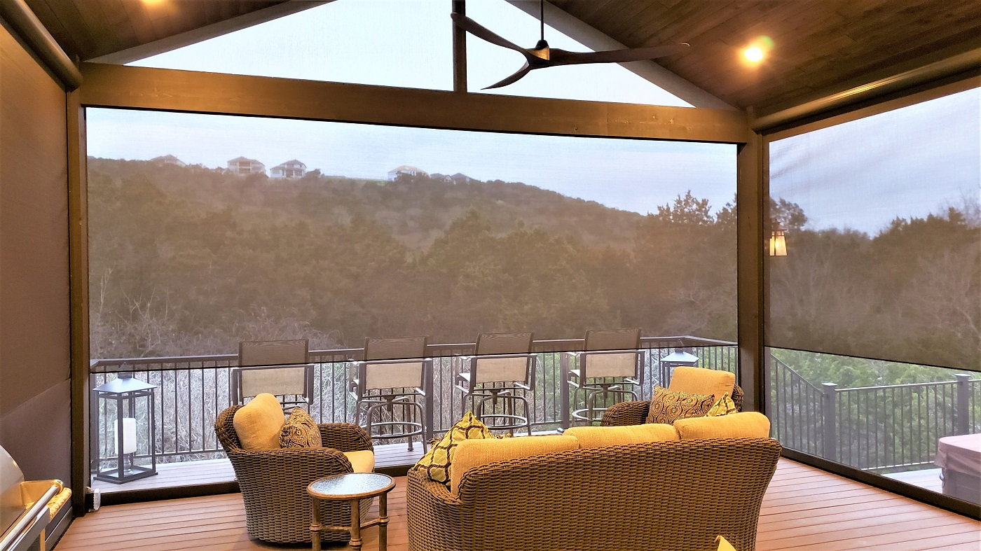 Amazing-outdoor-living-space-design-by-Archadeck-of-Austin-with-matching-views