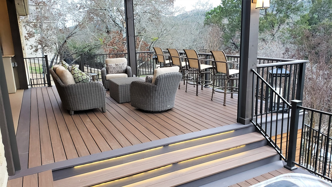 We-used-multi-width-decking-on-the-picture-framing-and-deck-field