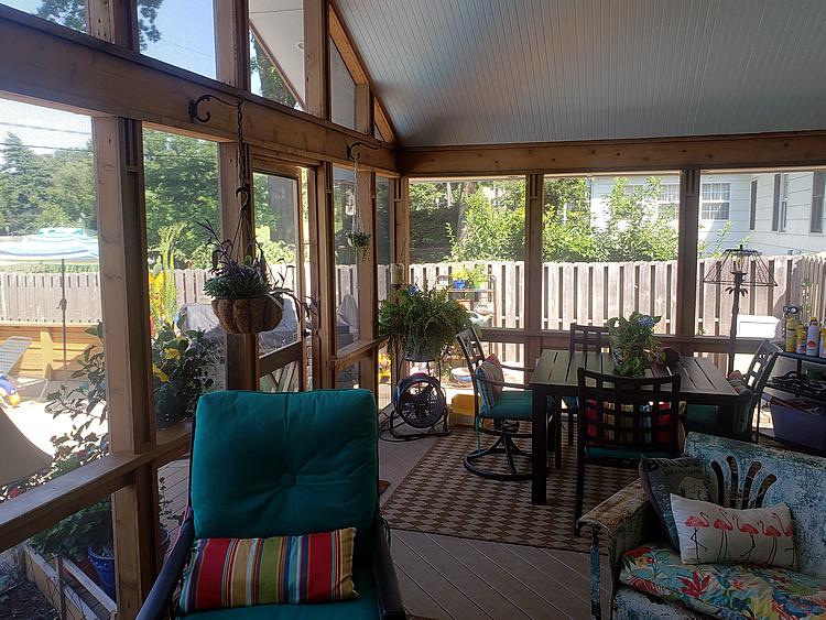 screened porch in Prairie Village