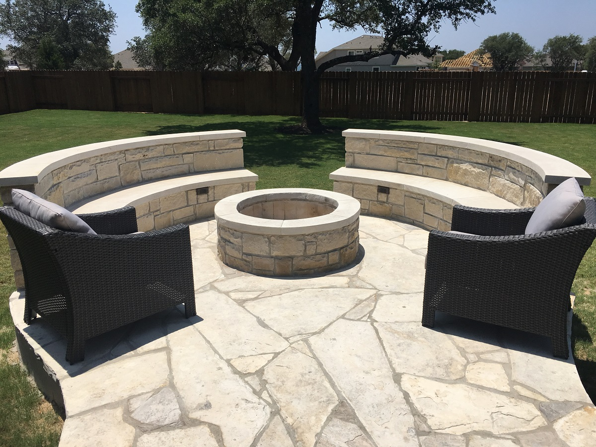 Leander-TX-custom-fire-pit-and-seating-wall