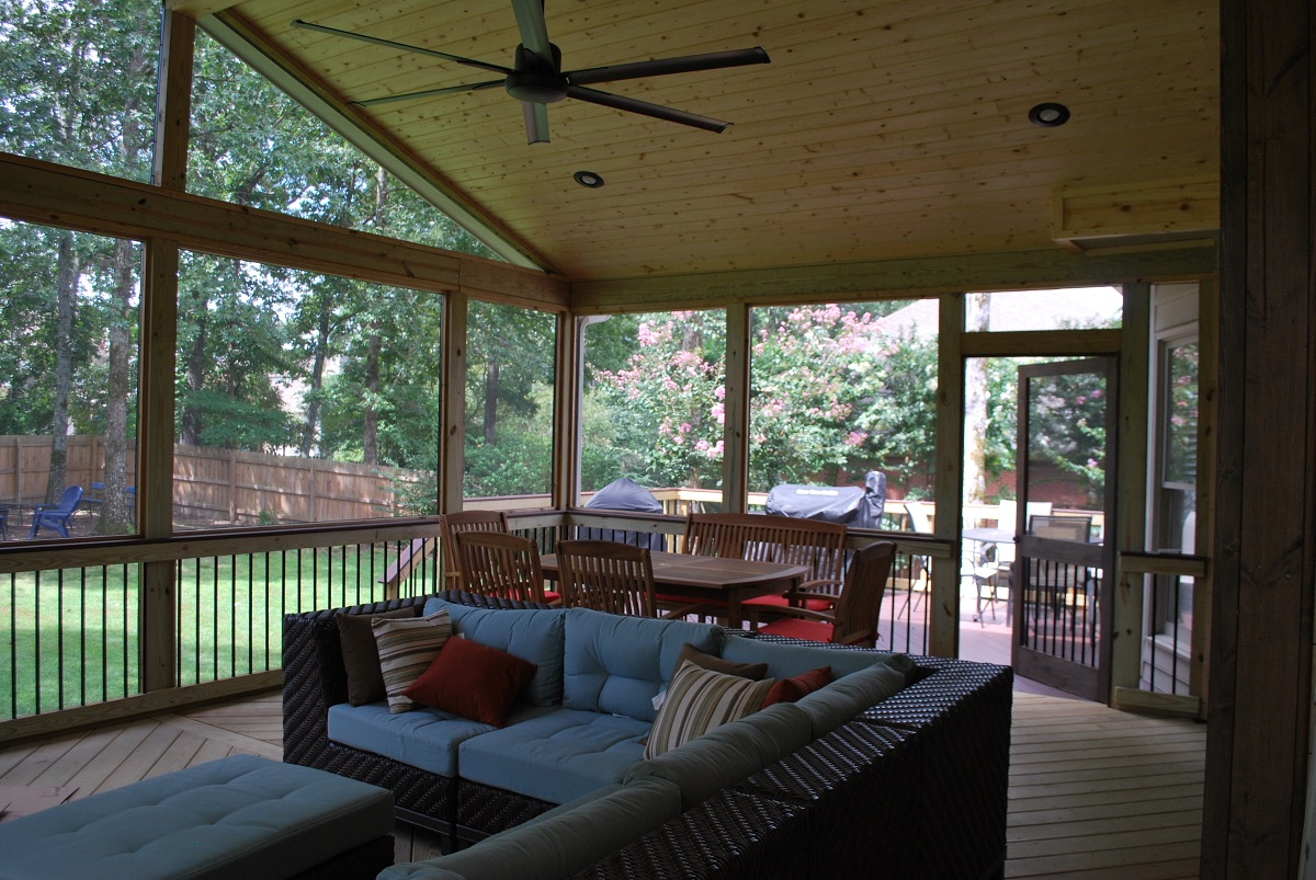 Screened-porches-are-loaded-with-outdoor-living-benefits