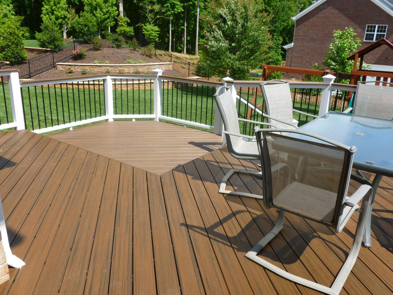 Consider-updating-your-deck-railing-and-balusters