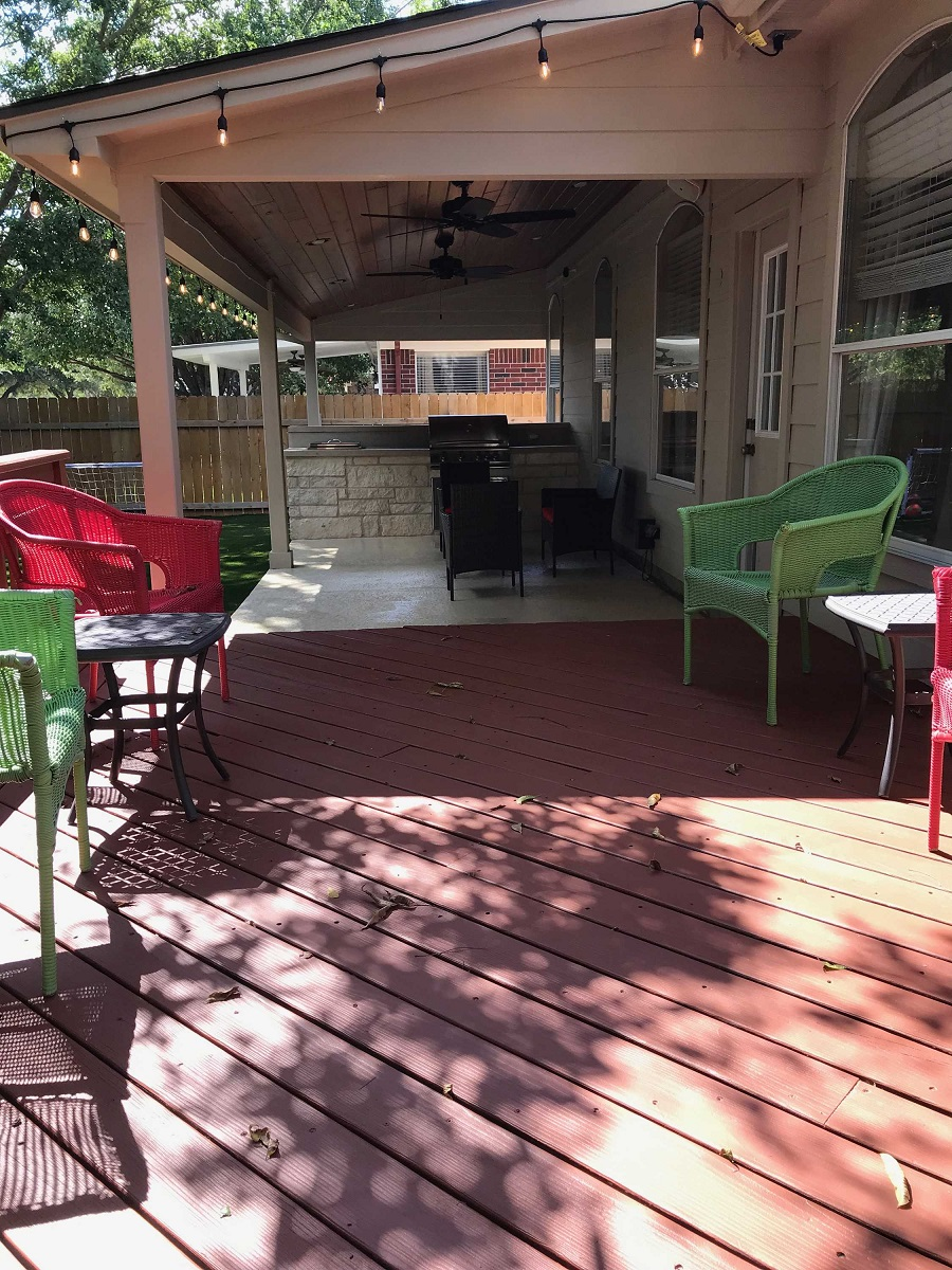 See-how-the-new-covered-patio-blends-seamlessly-with-the-existing-deck