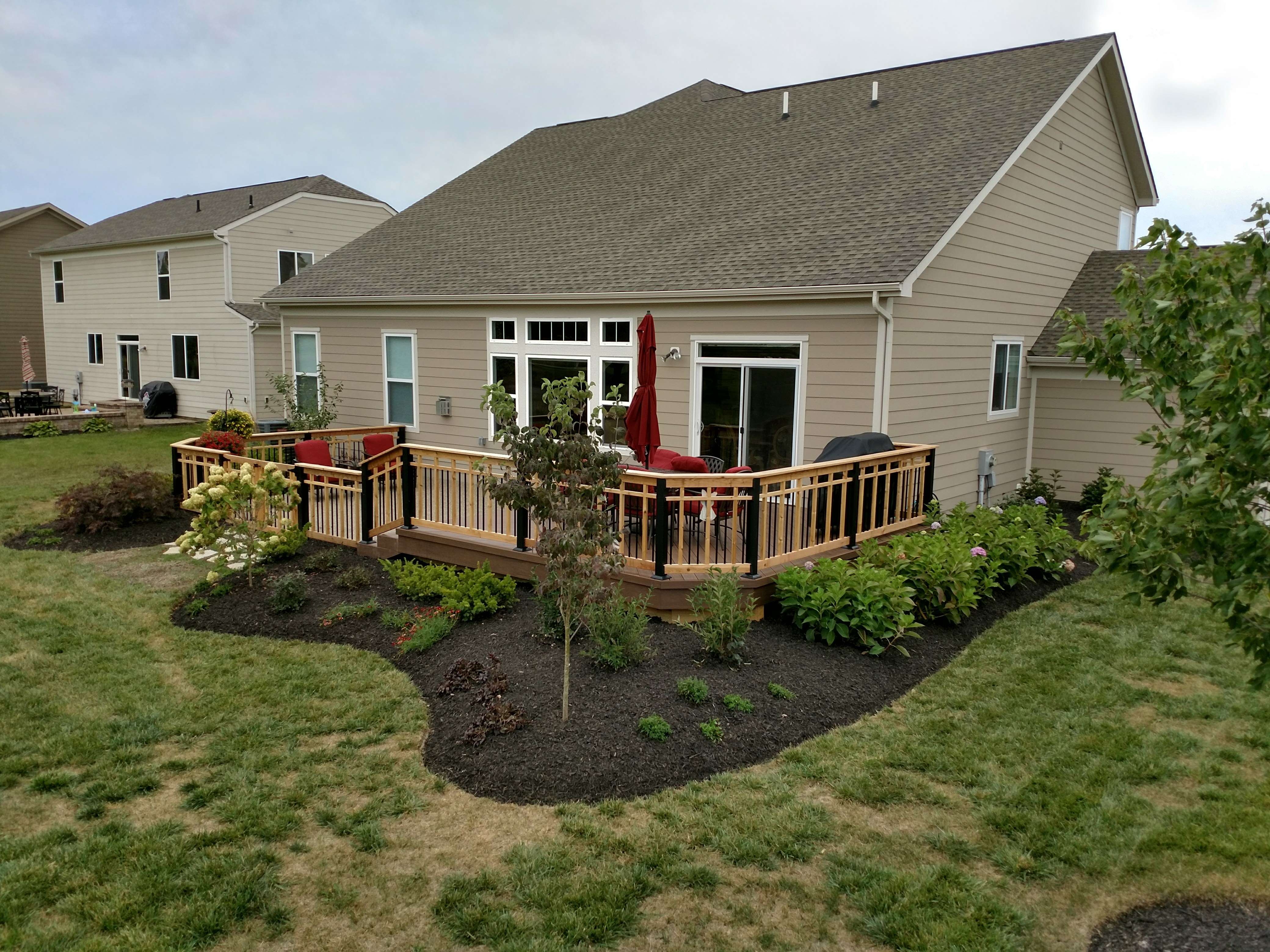 Delaware-OH-deck-with-craftsman-style-custom-railing-and-deck-lighting