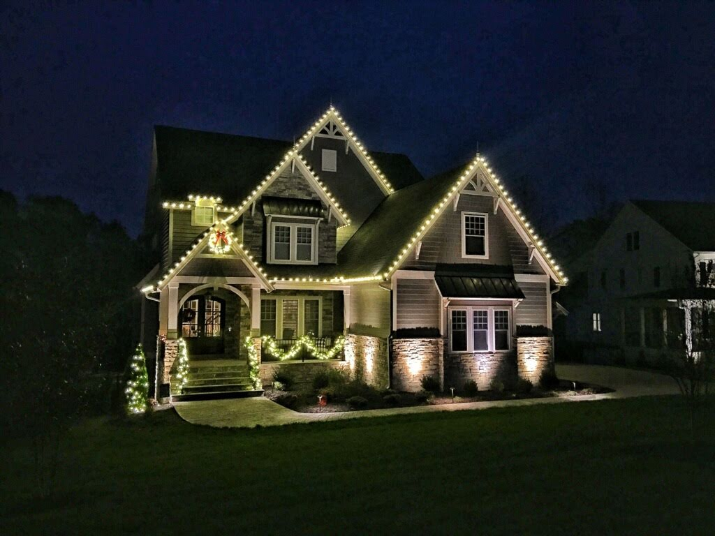 St. Louis Professional Holiday Lighting
