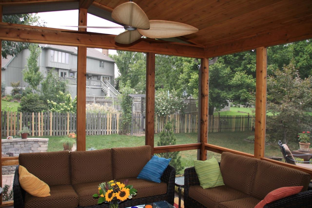 Leawood ks porches sunrooms and decks for Small enclosed deck ideas