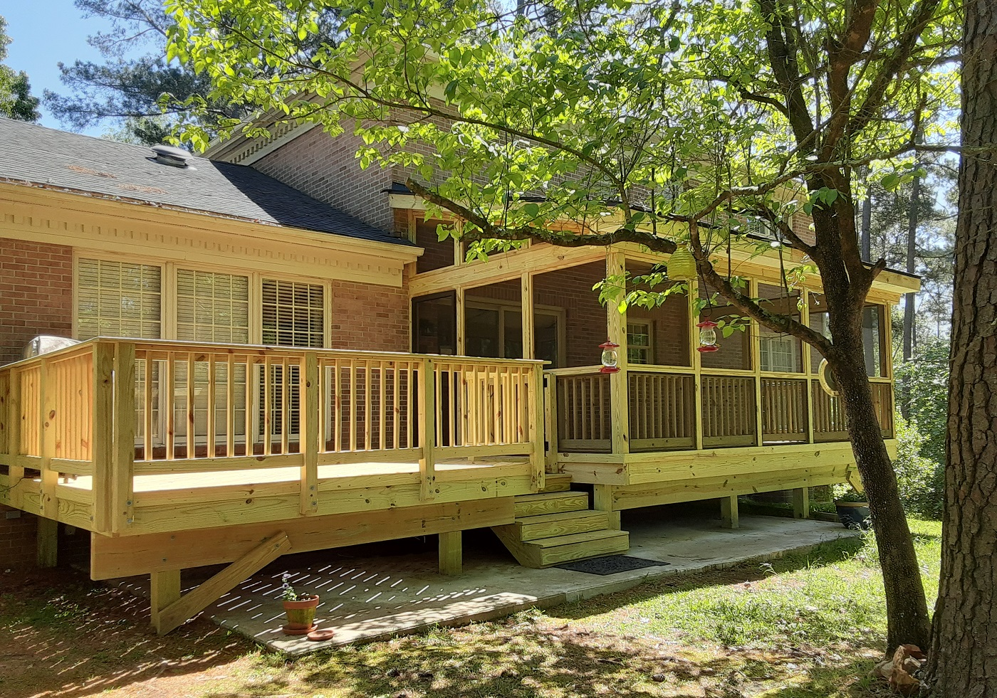 New-screened-porch-and-deck-in-Macon't-River-North-neighborhood
