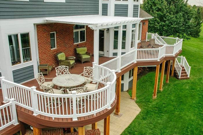 Springboro-OH-deck-with-custom-shade-pergola