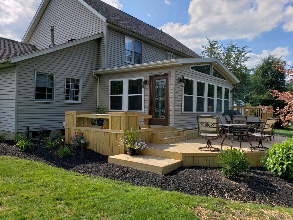 Deck-and-three-season-room-combination-in-Uniontown-OH