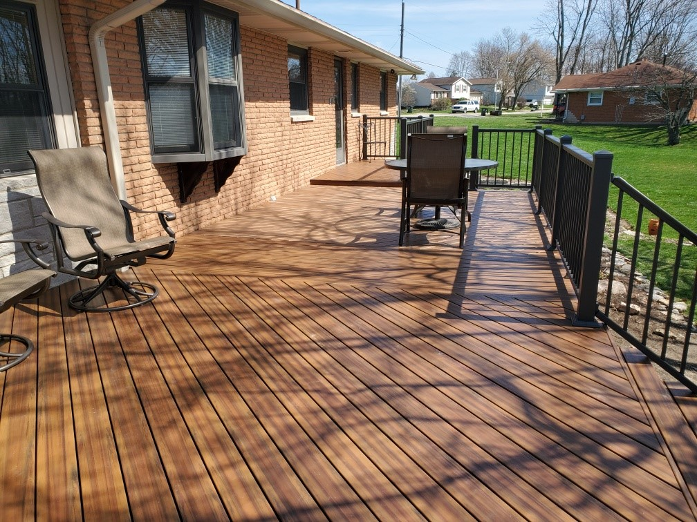 Miamisburg-redecking-with-Armadillo-Lifestyle-decking-in-Campfire