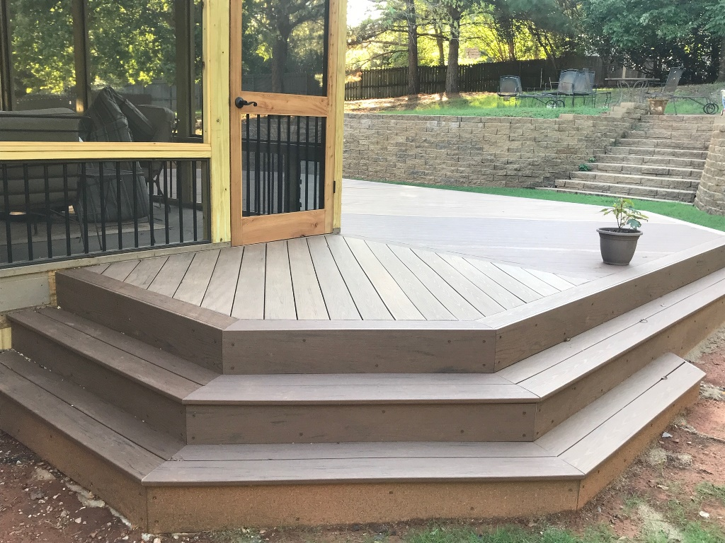 Screened-porch-and-deck-combo-in-Hoover-AL