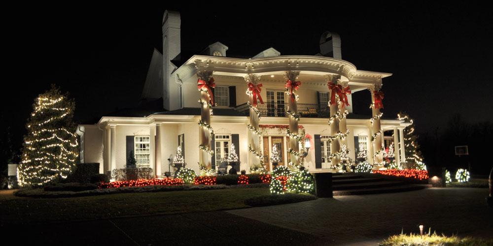 Let Outdoor Christmas Lighting Installers in Virginia Beach Light Up ...