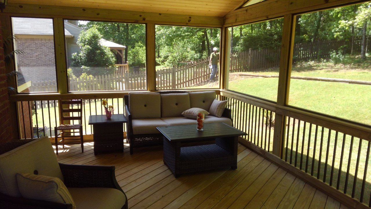 The-screened-porch-provides-an-escape-from-summer-showers-and-insects