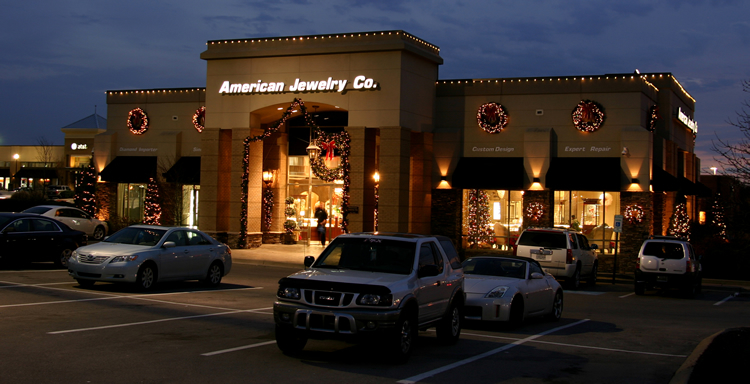 retail holiday lighting installation