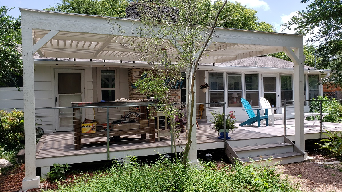 Unique-pergola-designed-and-built-by-Archadeck-of-Austin