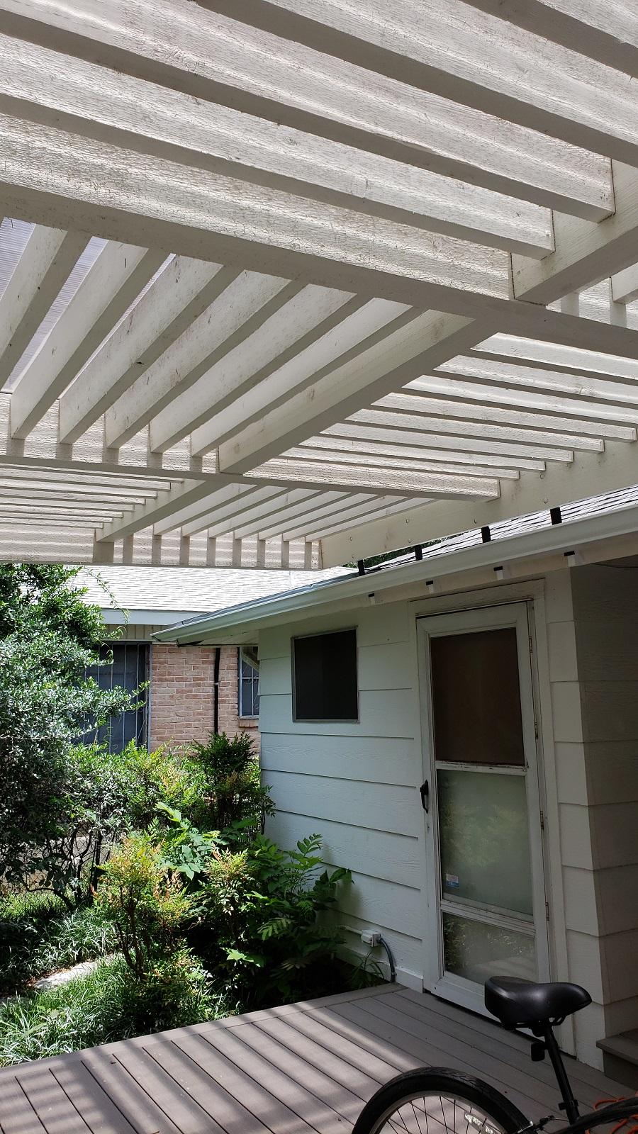 Details-of-pergola's-overhead-design