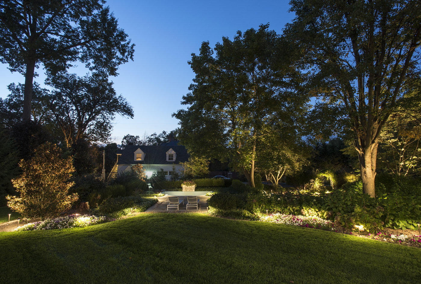 Led landscape lighting louisville kentucky led landscape lighting for nighttime enjoyment mozeypictures Gallery