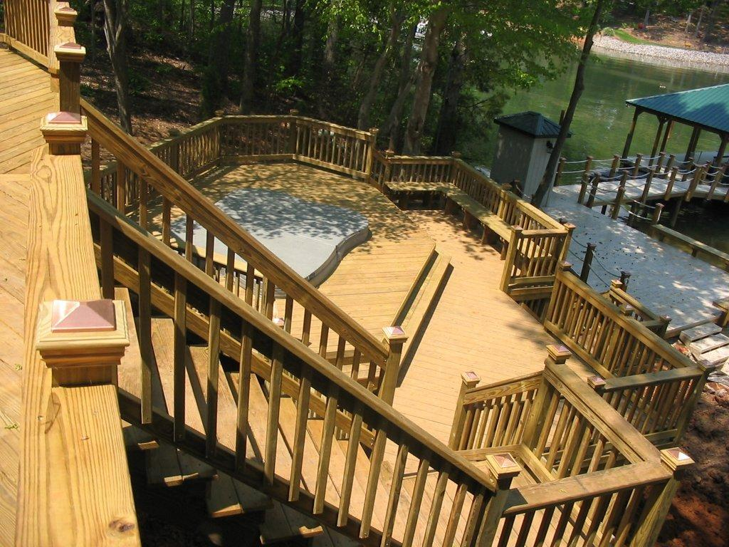 Lake Wylie multi-level deck