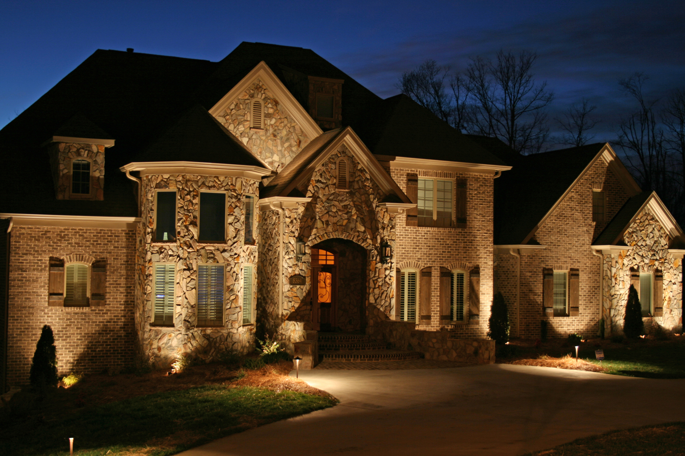 Western nc residential outdoor lighting fixtures high quality low voltage outdoor lighting for your asheville hendersonville flat rock or brevard home